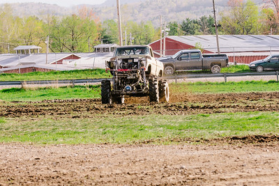 Vermonster-4x4_Spring-Mud-Fling__20170506_7020.CR2 Photo by Brie Morrissey ©Rapid Velocity Photo & BLM Photography   Support your photographers and purchase a photo!! Starting at only $5!   More photos & custom merchandise are available for purchase without watermark or view more photos from this event at www.blmphoto.com or contact info@blmphoto.com.  Do Not Download or reproduce photos without written permission.