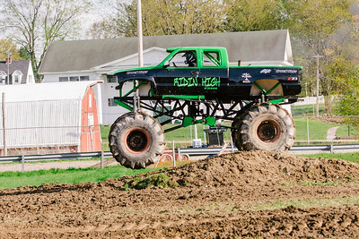 Vermonster-4x4_Spring-Mud-Fling__20170506_6986.CR2 Photo by Brie Morrissey ©Rapid Velocity Photo & BLM Photography   Support your photographers and purchase a photo!! Starting at only $5!   More photos & custom merchandise are available for purchase without watermark or view more photos from this event at www.blmphoto.com or contact info@blmphoto.com.  Do Not Download or reproduce photos without written permission.