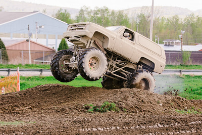Vermonster-4x4_Spring-Mud-Fling__20170506_6969.CR2 Photo by Brie Morrissey ©Rapid Velocity Photo & BLM Photography   Support your photographers and purchase a photo!! Starting at only $5!   More photos & custom merchandise are available for purchase without watermark or view more photos from this event at www.blmphoto.com or contact info@blmphoto.com.  Do Not Download or reproduce photos without written permission.