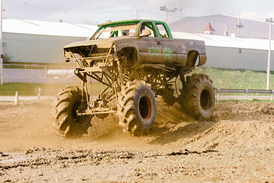 Vermonster-4x4_Spring-Mud-Fling__20170506_6997.CR2 Photo by Brie Morrissey ©Rapid Velocity Photo & BLM Photography   Support your photographers and purchase a photo!! Starting at only $5!   More photos & custom merchandise are available for purchase without watermark or view more photos from this event at www.blmphoto.com or contact info@blmphoto.com.  Do Not Download or reproduce photos without written permission.