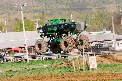 Vermonster-4x4_Spring-Mud-Fling__20170506_6989.CR2 Photo by Brie Morrissey ©Rapid Velocity Photo & BLM Photography   Support your photographers and purchase a photo!! Starting at only $5!   More photos & custom merchandise are available for purchase without watermark or view more photos from this event at www.blmphoto.com or contact info@blmphoto.com.  Do Not Download or reproduce photos without written permission.