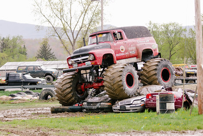 Vermonster-4x4_Spring-Mud-Fling__20170506_5484.CR2 Photo by Brie Morrissey ©Rapid Velocity Photo & BLM Photography   Support your photographers and purchase a photo!! Starting at only $5!   More photos & custom merchandise are available for purchase without watermark or view more photos from this event at www.blmphoto.com or contact info@blmphoto.com.  Do Not Download or reproduce photos without written permission.