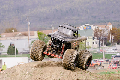 Vermonster-4x4_Spring-Mud-Fling__20170506_6789.CR2 Photo by Brie Morrissey ©Rapid Velocity Photo & BLM Photography   Support your photographers and purchase a photo!! Starting at only $5!   More photos & custom merchandise are available for purchase without watermark or view more photos from this event at www.blmphoto.com or contact info@blmphoto.com.  Do Not Download or reproduce photos without written permission.