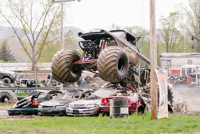 Vermonster-4x4_Spring-Mud-Fling__20170506_5467.CR2 Photo by Brie Morrissey ©Rapid Velocity Photo & BLM Photography   Support your photographers and purchase a photo!! Starting at only $5!   More photos & custom merchandise are available for purchase without watermark or view more photos from this event at www.blmphoto.com or contact info@blmphoto.com.  Do Not Download or reproduce photos without written permission.