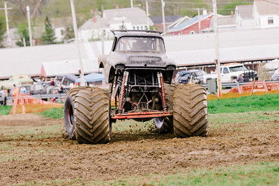 Vermonster-4x4_Spring-Mud-Fling__20170506_6809.CR2 Photo by Brie Morrissey ©Rapid Velocity Photo & BLM Photography   Support your photographers and purchase a photo!! Starting at only $5!   More photos & custom merchandise are available for purchase without watermark or view more photos from this event at www.blmphoto.com or contact info@blmphoto.com.  Do Not Download or reproduce photos without written permission.