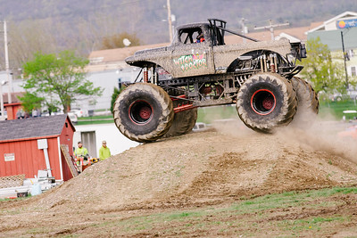 Vermonster-4x4_Spring-Mud-Fling__20170506_6798.CR2 Photo by Brie Morrissey ©Rapid Velocity Photo & BLM Photography   Support your photographers and purchase a photo!! Starting at only $5!   More photos & custom merchandise are available for purchase without watermark or view more photos from this event at www.blmphoto.com or contact info@blmphoto.com.  Do Not Download or reproduce photos without written permission.