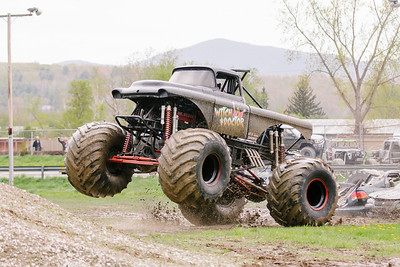 Vermonster-4x4_Spring-Mud-Fling__20170506_5472.CR2 Photo by Brie Morrissey ©Rapid Velocity Photo & BLM Photography   Support your photographers and purchase a photo!! Starting at only $5!   More photos & custom merchandise are available for purchase without watermark or view more photos from this event at www.blmphoto.com or contact info@blmphoto.com.  Do Not Download or reproduce photos without written permission.