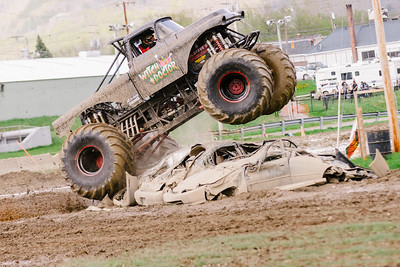Vermonster-4x4_Spring-Mud-Fling__20170506_6801.CR2 Photo by Brie Morrissey ©Rapid Velocity Photo & BLM Photography   Support your photographers and purchase a photo!! Starting at only $5!   More photos & custom merchandise are available for purchase without watermark or view more photos from this event at www.blmphoto.com or contact info@blmphoto.com.  Do Not Download or reproduce photos without written permission.