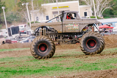 Vermonster-4x4_Spring-Mud-Fling__20170506_6825.CR2 Photo by Brie Morrissey ©Rapid Velocity Photo & BLM Photography   Support your photographers and purchase a photo!! Starting at only $5!   More photos & custom merchandise are available for purchase without watermark or view more photos from this event at www.blmphoto.com or contact info@blmphoto.com.  Do Not Download or reproduce photos without written permission.