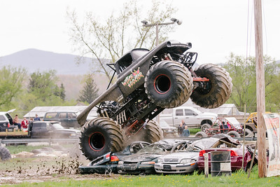 Vermonster-4x4_Spring-Mud-Fling__20170506_5463.CR2 Photo by Brie Morrissey ©Rapid Velocity Photo & BLM Photography   Support your photographers and purchase a photo!! Starting at only $5!   More photos & custom merchandise are available for purchase without watermark or view more photos from this event at www.blmphoto.com or contact info@blmphoto.com.  Do Not Download or reproduce photos without written permission.
