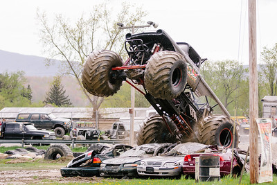 Vermonster-4x4_Spring-Mud-Fling__20170506_5468.CR2 Photo by Brie Morrissey ©Rapid Velocity Photo & BLM Photography   Support your photographers and purchase a photo!! Starting at only $5!   More photos & custom merchandise are available for purchase without watermark or view more photos from this event at www.blmphoto.com or contact info@blmphoto.com.  Do Not Download or reproduce photos without written permission.