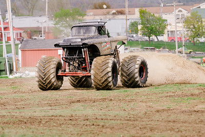 Vermonster-4x4_Spring-Mud-Fling__20170506_6792.CR2 Photo by Brie Morrissey ©Rapid Velocity Photo & BLM Photography   Support your photographers and purchase a photo!! Starting at only $5!   More photos & custom merchandise are available for purchase without watermark or view more photos from this event at www.blmphoto.com or contact info@blmphoto.com.  Do Not Download or reproduce photos without written permission.