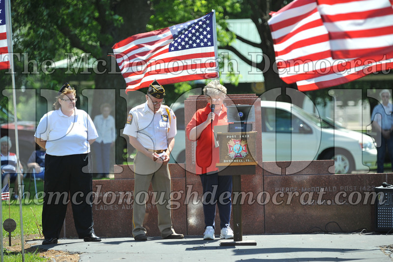 Memorial Day Services 05-30-11 046