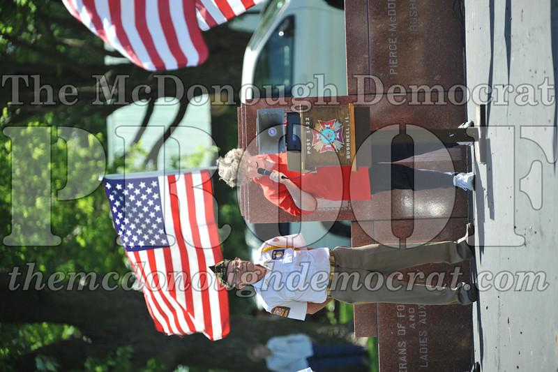 Memorial Day Services 05-30-11 047