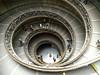 Museos Vaticanos, escalera de Giuseppe Momo