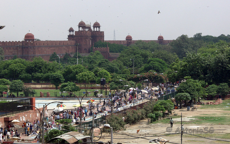 Viejo Delhi, al fondo el fuerte rojo
