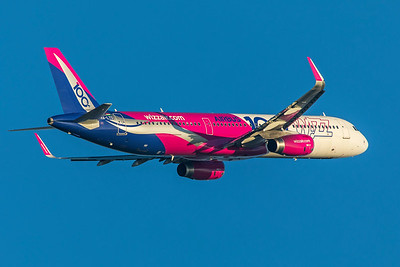 Wizz Air Airbus A321-231 HA-LTD 2-17-19