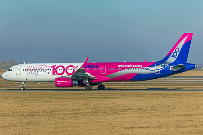 Wizz Air Airbus A321-231 HA-LTD 2-17-19 2