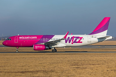 Wizz Air Airbus A320-232 HA-LWZ 2-17-19 2