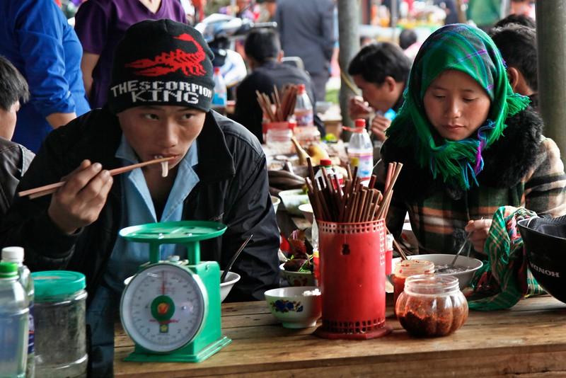 3 SAPA Sunday Market (40)