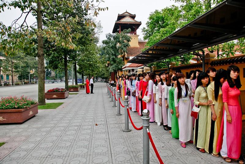 HANOI, Ho Chi Minh Mausoleum visitors
