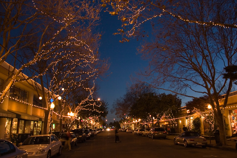 4th Street in Berkeley during the Holiday Season