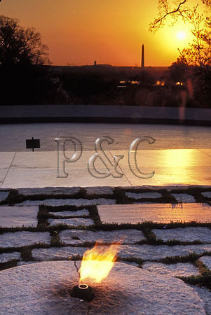 2888VA ARLINGTON NATIONAL CEMETERY ETERNAL FLAME KENNEDY GRAVES 6W