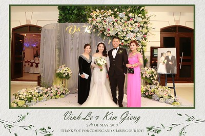 VK-wedding-instant-print-photo-booth-My-My-wedding-center-in-hinh-lay-lien-Tiec-cuoi-WefieBox-Photobooth-Vietnam-012