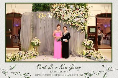 VK-wedding-instant-print-photo-booth-My-My-wedding-center-in-hinh-lay-lien-Tiec-cuoi-WefieBox-Photobooth-Vietnam-005