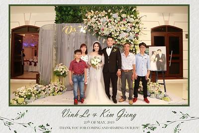 VK-wedding-instant-print-photo-booth-My-My-wedding-center-in-hinh-lay-lien-Tiec-cuoi-WefieBox-Photobooth-Vietnam-017