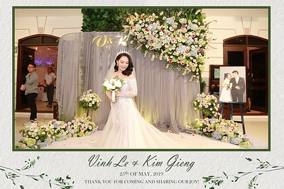 VK-wedding-instant-print-photo-booth-My-My-wedding-center-in-hinh-lay-lien-Tiec-cuoi-WefieBox-Photobooth-Vietnam-010