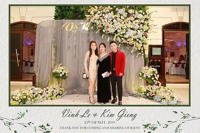 VK-wedding-instant-print-photo-booth-My-My-wedding-center-in-hinh-lay-lien-Tiec-cuoi-WefieBox-Photobooth-Vietnam-006