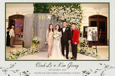 VK-wedding-instant-print-photo-booth-My-My-wedding-center-in-hinh-lay-lien-Tiec-cuoi-WefieBox-Photobooth-Vietnam-015