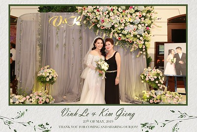 VK-wedding-instant-print-photo-booth-My-My-wedding-center-in-hinh-lay-lien-Tiec-cuoi-WefieBox-Photobooth-Vietnam-021
