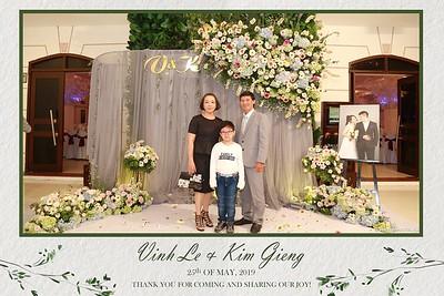 VK-wedding-instant-print-photo-booth-My-My-wedding-center-in-hinh-lay-lien-Tiec-cuoi-WefieBox-Photobooth-Vietnam-008