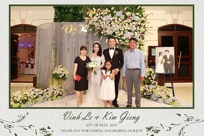 VK-wedding-instant-print-photo-booth-My-My-wedding-center-in-hinh-lay-lien-Tiec-cuoi-WefieBox-Photobooth-Vietnam-024