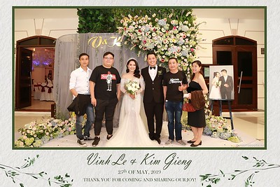 VK-wedding-instant-print-photo-booth-My-My-wedding-center-in-hinh-lay-lien-Tiec-cuoi-WefieBox-Photobooth-Vietnam-025