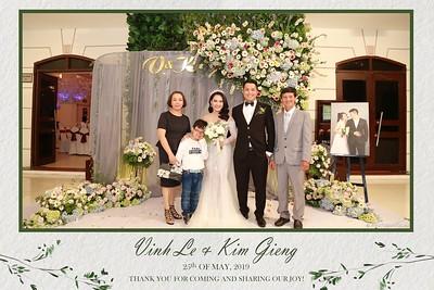 VK-wedding-instant-print-photo-booth-My-My-wedding-center-in-hinh-lay-lien-Tiec-cuoi-WefieBox-Photobooth-Vietnam-014