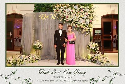 VK-wedding-instant-print-photo-booth-My-My-wedding-center-in-hinh-lay-lien-Tiec-cuoi-WefieBox-Photobooth-Vietnam-004
