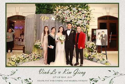 VK-wedding-instant-print-photo-booth-My-My-wedding-center-in-hinh-lay-lien-Tiec-cuoi-WefieBox-Photobooth-Vietnam-011