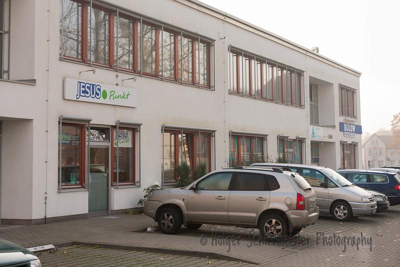 Fahrt nach Neubrandenburg JesusPunkt mit Buchladeneinrichtung
