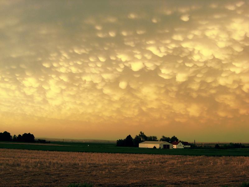North Platte, NE, Mammatus