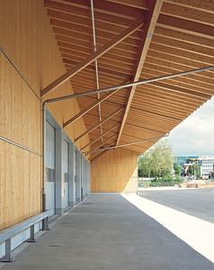 04 Werkhof Sissach | Ansicht Südfassade mit Zufahrten Einstellhalle und auskragendem Vordach