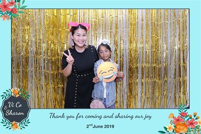 Vi-Co-Sharon-wedding-instant-print-photobooth-Queen-Plaza-District-5-in-hinh-lay-lien-Tiec-cuoi-tai-TP-HCM--099