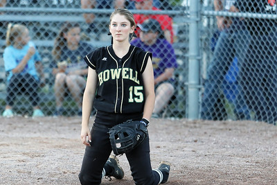 Howell v Fowlerville Softball