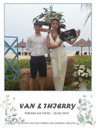 VT-wedding-instant-print-photo booth-in-Da-Nang-chup-hinh-in-anh-lay-ngay-Tiec-cuoi-WefieBox-photobooth-Vietnam-15