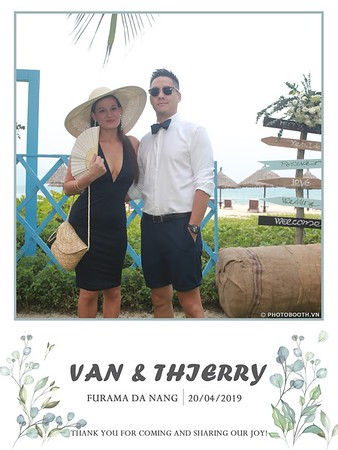 VT-wedding-instant-print-photo booth-in-Da-Nang-chup-hinh-in-anh-lay-ngay-Tiec-cuoi-WefieBox-photobooth-Vietnam-06