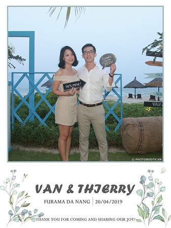VT-wedding-instant-print-photo booth-in-Da-Nang-chup-hinh-in-anh-lay-ngay-Tiec-cuoi-WefieBox-photobooth-Vietnam-32