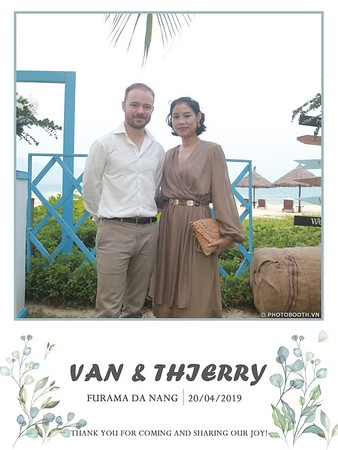 VT-wedding-instant-print-photo booth-in-Da-Nang-chup-hinh-in-anh-lay-ngay-Tiec-cuoi-WefieBox-photobooth-Vietnam-09