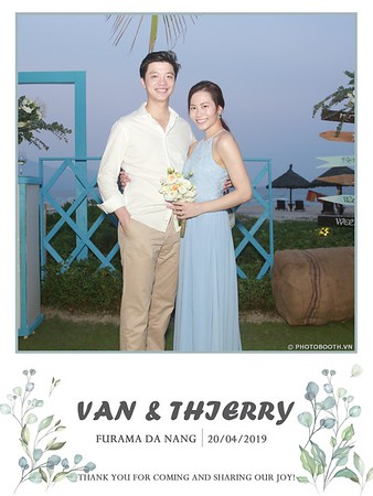 VT-wedding-instant-print-photo booth-in-Da-Nang-chup-hinh-in-anh-lay-ngay-Tiec-cuoi-WefieBox-photobooth-Vietnam-38